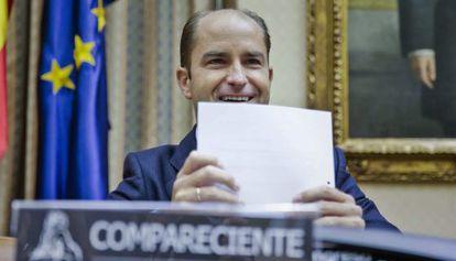 El secretario de Estado de Empleo, Juan Pablo Riesgo, este miércoles en el Congreso.