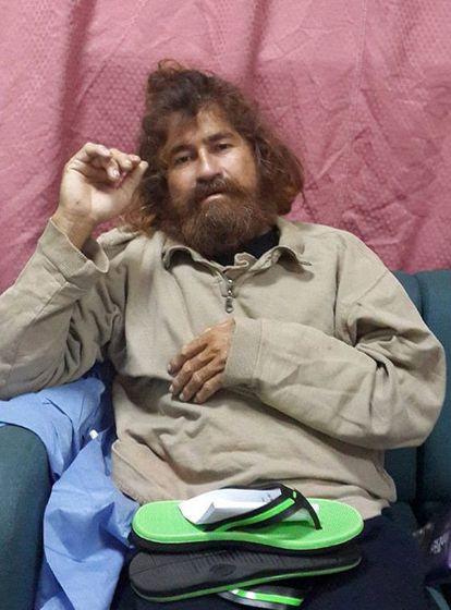 José Salvador Alvarenga, el 3 de febrero de 2014, cuatro días después de aparecer en las Islas Marshall.