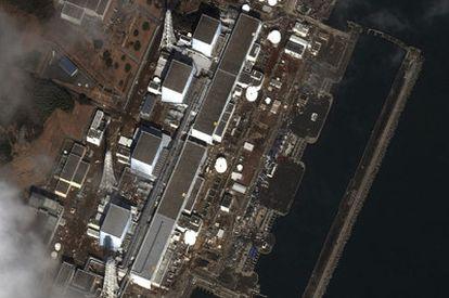 Imagen satelital de la central nuclear de Fukushima.