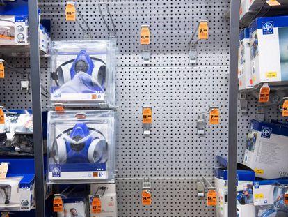 Mascarillas agotadas en una tienda de Hanover (Alemania).