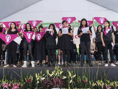 Las escritoras mexicanas, durante su pronunciamiento en la FIL del Zócalo.