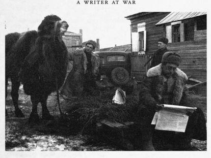 Grossman lee 'Estrella Roja'. El camello es probablemente la mascota que acompañó a la 308ª División de Fusileros desde Stalingrado hasta Berlín.