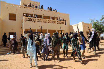 Un grupo de hombres armados en la ciudad de Menaka, entre Malí, Níger y Burkina Faso, en novembre pasado.