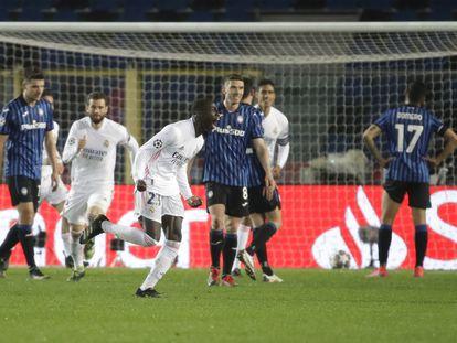 Mendy celebra su gol ante el Atalanta este miércoles en Bérgamo.
