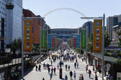 Alrededores del estadio de Wembley antes del Inglaterra-Croacia.