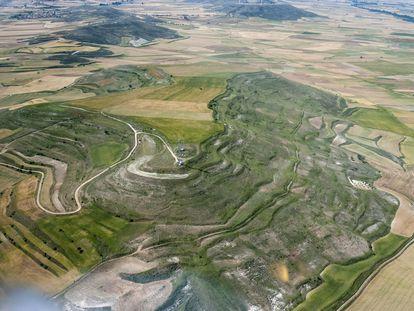 Imagen aérea del cerro de Castarreño, en Olmillos de Sasamón  (Burgos), al que puso cerco Augusto.