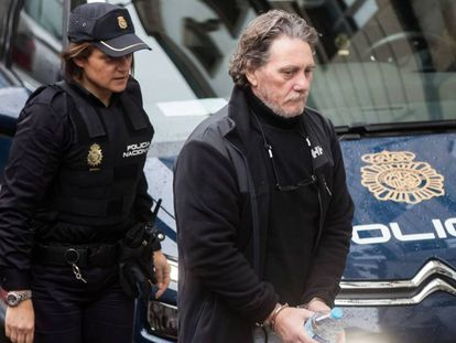 Sito Miñanco en su llegada a la Audiencia de Pontevedra.