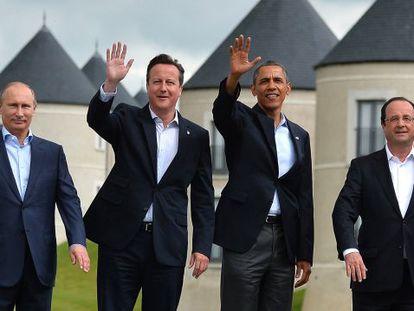 Los jefes de Gobierno de Rusia, Reino Unido, Estados Unidos y Francia en la cumbre de junio del G-8, en Irlanda del Norte.