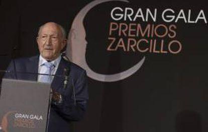 El bodeguero Alejandro Fernández tras recibir el Premio Zarcillo a la Excelencia 2013 a la Trayectoria Profesional, en el acto celebrado en Valladolid.