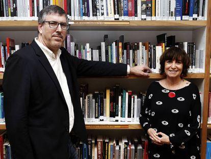 Guillermo Altares y Rosa Montero, en la Biblioteca Joaquín Leguina.