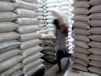 Con este acuerdo Venezuela importará productos como leche, arroz, varios tipos de maíz, aceites, fríjol, pastas alimenticias, harinas y derivados lácteos. EFE/Archivo