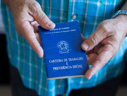 Pasaporte laboral de Brasil.