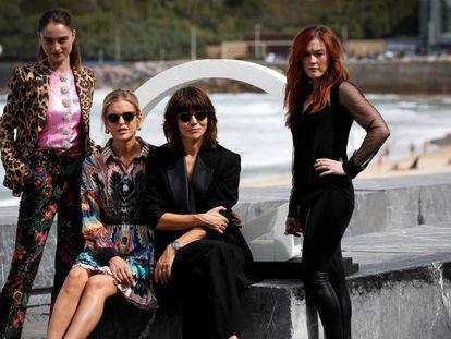 La directora Malgorzata Szumowska (segunda por la derecha) presenta la película 'The other lamb' en el Festival de San Sebastián. En vídeo, el tráiler de 'Zeroville', de James Franco.