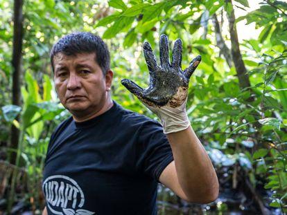Donald Moncayo es un campesino de la UDAPT, la organización que representa a la mayoría de las comunidades indígenas y campesinas de las provincias de Sucumbíos y Orellana.