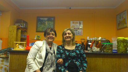 Vicky Marcos conoce a su gemela, María José (izquierda) 50 años después