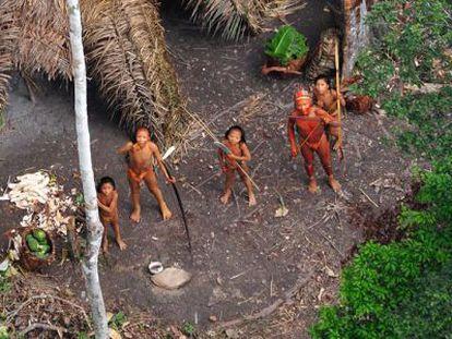 Una tribu no contactada en la Amazonia brasileña.