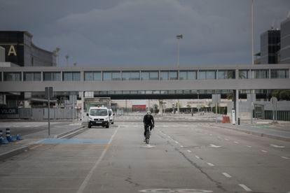 La Terminal 2 del aerpopuerto de El Prat lleva cerrada desde diciembre.