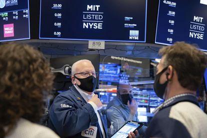 Operadores de Wall Street, el pasado viernes.