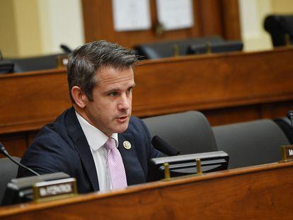 El congresista Adam Kinzinger, en el Comité de Asuntos Exteriores de la Cámara de Representantes, el 16 de septiembre de 2020.