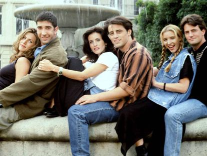 De izquierda a derecha, los protagonistas de 'Friends': Jennifer Aniston, David Schummer, Courteney Cox, Matt Leblanc, Lisa Kudrow y Matthew Perry.