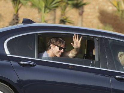 Tom Cruise llega al rodaje de 'Misión: Imposible 5'.