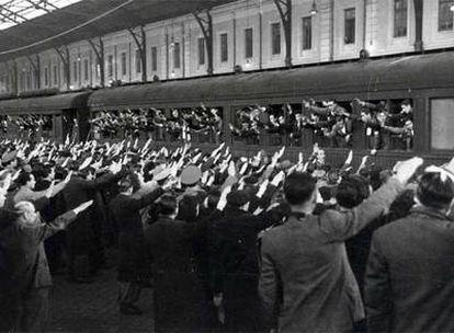 Despedida de españoles que se iban a trabajar a la Alemania nazi.