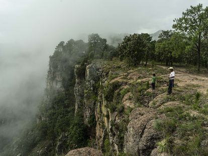 Habitantes Wixárikas de la Sierra de Nayarit en los limites con Jalisco.