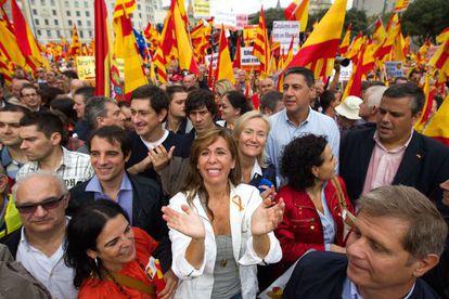 La líder del PP catalán, Alicia Sánchez-Camacho, en la plaza de Catalunya en la concentración antiindependentista.