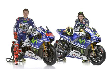 Equipo Movistar Yamaha, con Jorge Lorenzo (I) y Valentino Rossi.