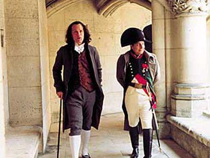 John Malkovich, a la izquierda, y Christian Clavier, en el rodaje de Napoleón.