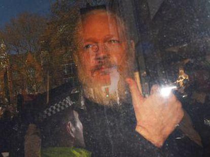 El Reino Unido detiene al cofundador de Wikileaks tras retirarle Ecuador el asilo diplomático