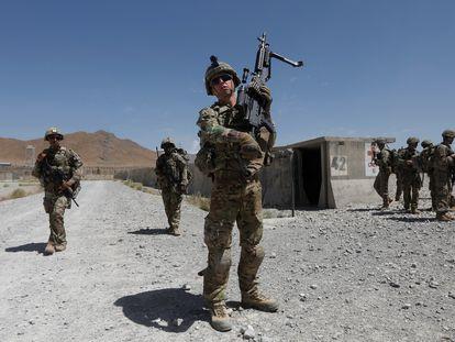 Una patrulla de soldados estadounidenses en la base de la provincia de Logar, en Afganistán, en una imagen de agosto de 2018.