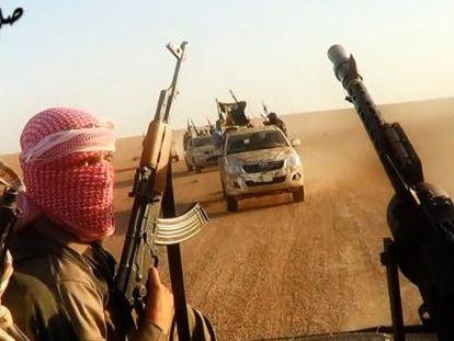 Imagen de un video de propaganda del EI, tomada en Irak el 8 de junio.