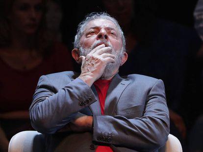 Fotografía de archivo fechada el 2 de abril de 2018 que muestra al expresidente brasileño Luiz Inácio Lula da Silva durante un acto político en Río de Janeiro (Brasil)