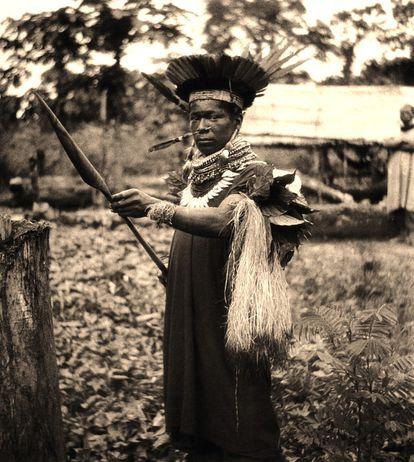 Médico tradicional cofán (río Sucumbios, Ecuador, 1942)