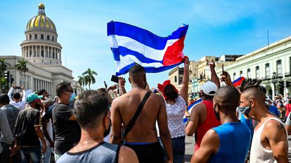 Manifestación contra el Gobierno frente al Capitolio, el 11 de julio en La Habana.