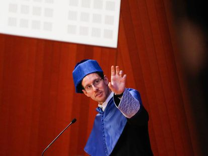Alessio Figalli, tras ser investido doctor honoris causa por la Universidad Politécnica de Cataluña (UPC).