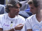 Pepe Imaz (izq.) y Marko Djokovic (dcha.), durante un partido de Novak.