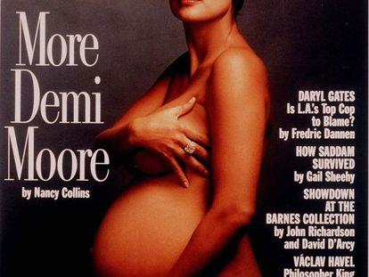 En agosto de 1991, Demi Moore revolucionó los quioscos: la actriz posaba mostrando su recta final del embarazo para la portada de 'Vanity Fair'. Una foto de la reconocida Annie Leibovitz que se ganó tanto alabanzas como las críticas de quienes consideraron que se sexualizaba el cuerpo de una mujer embarazada.