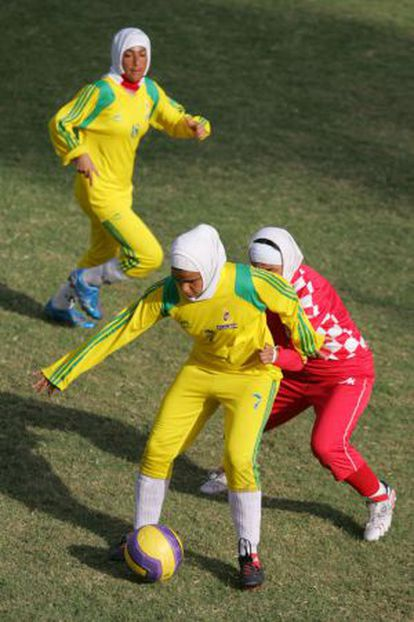 Jugadoras iraníes de fútbol.
