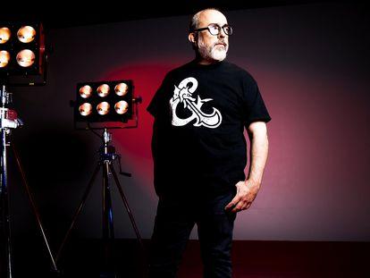 Álex de la Iglesia, director de cine, tras una entrevista el pasado noviembre.