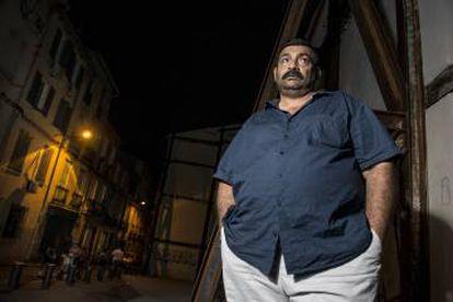 Alain Giménez, uno de los líderes de la comunidad gitano-catalana del barrio de Saint Jacques.