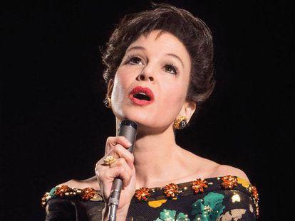 Renée Zellweger, como Judy Garland en la película.
