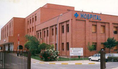 Fachada del hospital de Hellín, en Albacete.