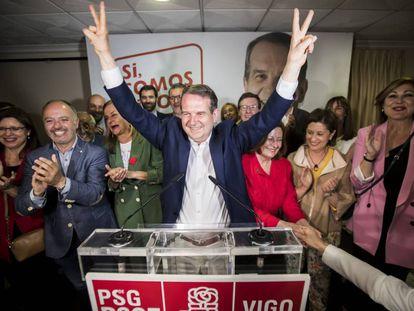 Abel Caballero, candidato a la alcaldía de Vigo, celebra su victoria el pasado 26.M.