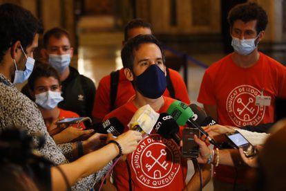 El portavoz del Sindicato de Inquilinos de Barcelona, Jaime Palomera, tras alcanzar el pacto en la ley para regular los alquileres.