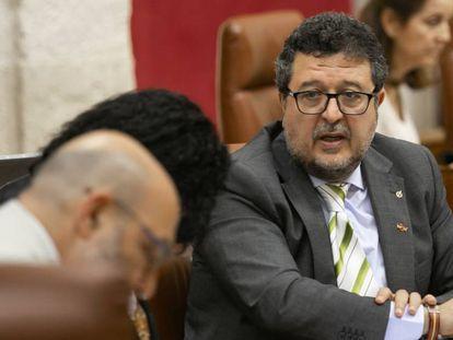 El presidente del grupo parlamentario de Vox en Andalucía, Francisco Serrano.