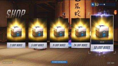 Varias cajas de 'loot' en un videojuego.