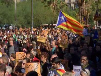 El juez deja en libertad a Puigdemont y los exconsejeros, aunque con la obligación de permanecer en Bélgica hasta que se resuelva la orden europea de detención