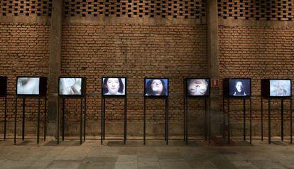 Vídeos con 'performances' de Marina Abramovic en el Sesc Pompeia de São Paulo.